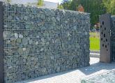 bler-realizacje-ogrodzenia-gabionowe-ze-szklem